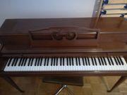 Schönes Klavier zu verkaufen Wurlitzer