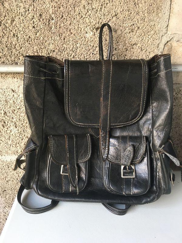 Lederrucksack - Stutensee Büchig - großer Rucksack aus Leder in schwarz mit Seitentaschen, ideal für die Schule oder Uni - Stutensee Büchig