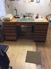 1 Büroschreibtisch Eiche massiv