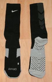 Sport-Socken - Größe LG bzw 43-46 - Strümpfe -