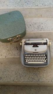 Koffer-Schreibmaschine sehr alt Dachbodenfund