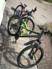 2 Fahrräder Mountainbikes