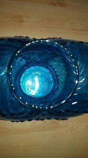 eien herz vase in blau
