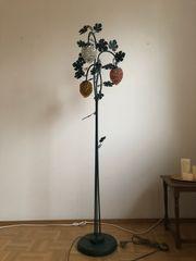 Stehlampe im Weinreben Design