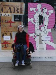 Persönliche Freizeitassistentin für junge Rollstuhlfahrerin