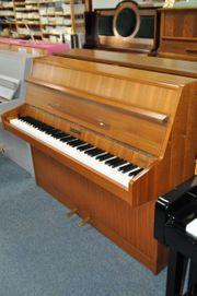 Kemble Klavier Nußbaum