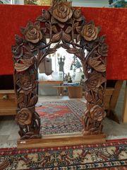 Spiegel geschnitzt aus Teakholz