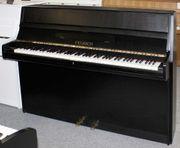 Klavier Feurich 110 schwarz satiniert