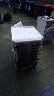Kühlschrank zum Ausschlachten und Upcyclen