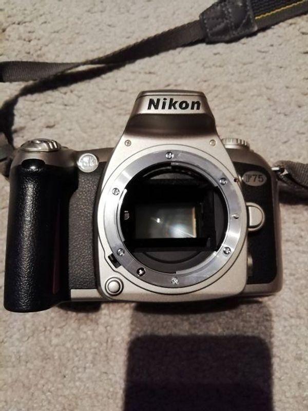 Nikon F75 zu verkaufen