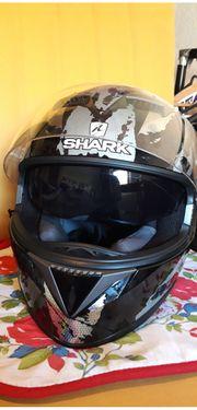 Motorradhelm der Marke Shark