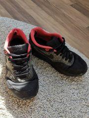Nike Air Max 37 Sneaker