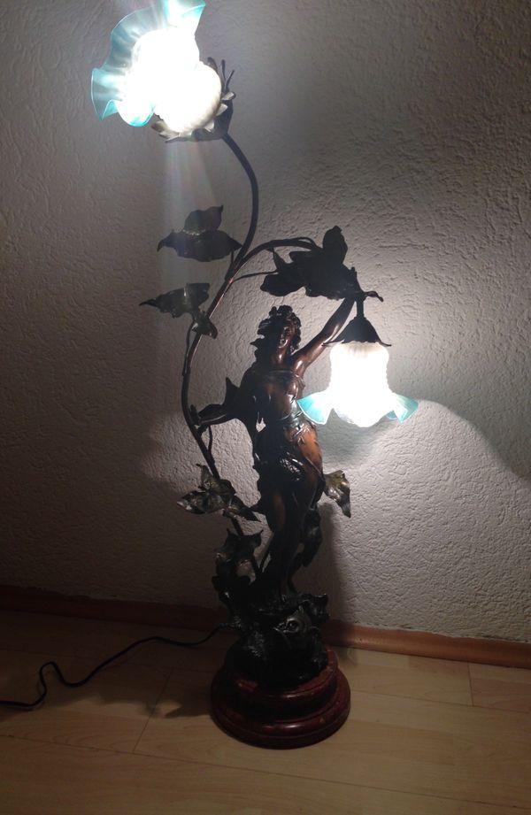Jugendstil Lampe Frauenfigur Bronze auf