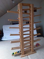 große Kugelbahn aus Holz