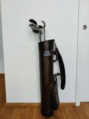 Golfbag Mizuno mit Schläger