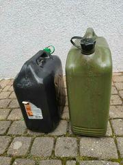 2 Ersatzkanister für Kraftstoff 1x10l