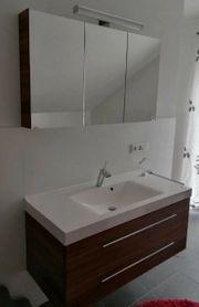 Waschtischunterschrank mit Spiegelschrank