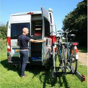 Schwenkbarer E-Bike Träger für Kastenwagen