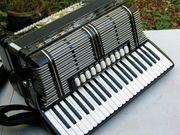 schönes schwarzes Akkordeon Hohner Morino