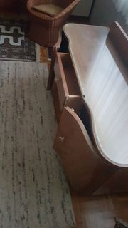 Schlafzimmerkommode sehr schoen gearbeitet Massivholz