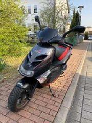 Roller 50er Aprillia SR50