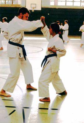 Karate Schnupperkurse 3 Wochen kostenlos: Kleinanzeigen aus München Nord - Rubrik Vereine, Gruppen, Initiativen