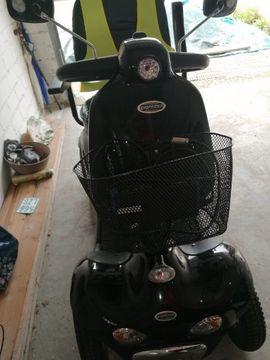 Medizinische Hilfsmittel, Rollstühle - Elektromobil max 15km h