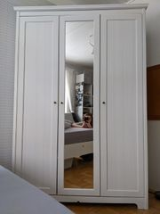 Kleiderschrank weiß mit Spiegel