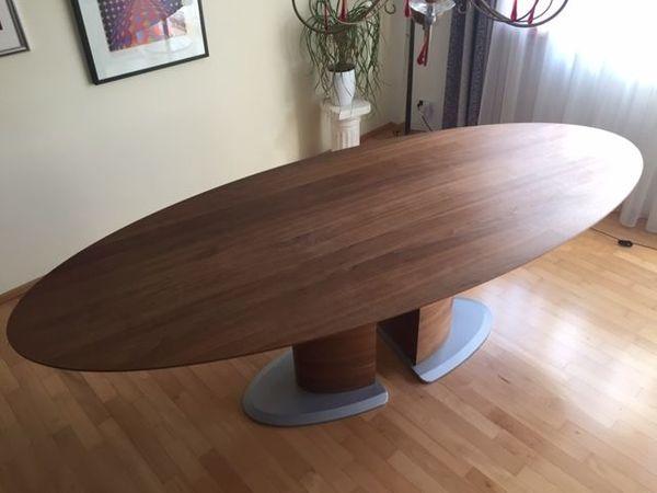 Großer ovaler Esstisch Holz Nussbaum