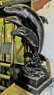 Delphin Brunnen