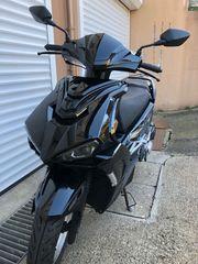 Motorroller 125er im neuwertigen Zustand