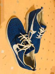 Nike Schuhe in Blau Gr