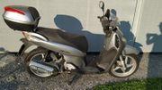 Honda Roller SH125i SH125 frisch