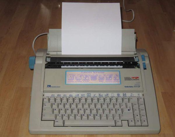 Elektronische Schreibmaschine Triumph Adler Gabriele