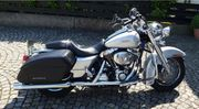 Harley-Davidson Road King FLHRC Classic