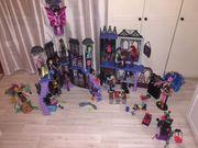 Monster High Schloss mit 21