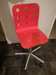 Stuhl mit Rollen - Holz-Metall - Rot