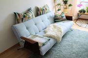 Neuwertiges Sofa - mit Möglichkeit in
