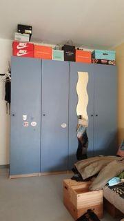 Kleiderschrank 4Türen