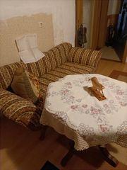 Canapee mit Tisch