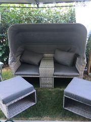 Lounge Sofa mit Dach neuwertig
