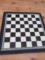 schöne Handbemalte Schachfiguren mit Lederschachbrett