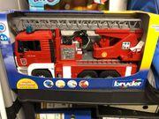 Feuerwehr Lastwagen NEU von Bruder