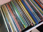 Kiste mit Schallplatten