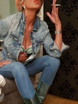 Erotische Massagen - attraktive Lady