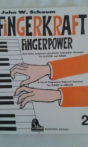 Verschiedene Klavierheft von