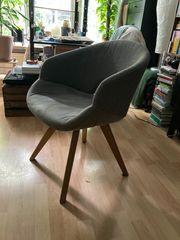 Gemütlicher Sessel in grau-cappuccino