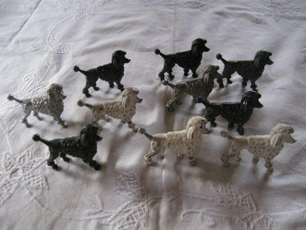 10 Bleifiguren Pudel Hund Figuren