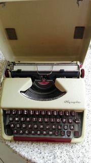 Olympia-Koffer-Schreibmaschine