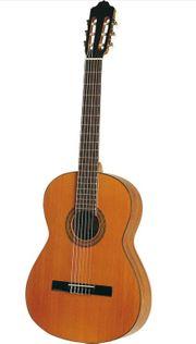 Gitarre Esteve 1GR05 top Marke